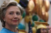 Clinton_graduationap